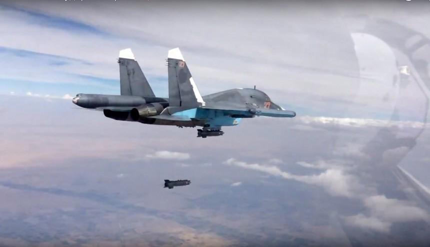 Eine russische Su-34 im Einsatz über Syrien (Foto: AP)