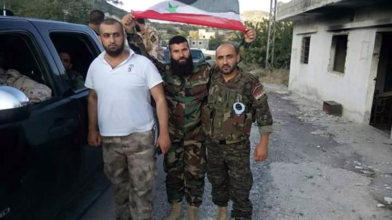 Massiver Konvoi mit Verstärkung für die syrische Armee im nördlichen Latakia eingetroffen (4)
