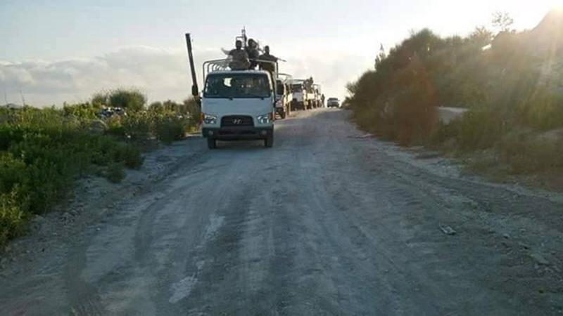 Massiver Konvoi mit Verstärkung für die syrische Armee im nördlichen Latakia eingetroffen (5)