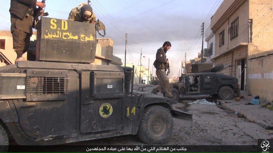 zerstorte-ausrustung-der-irakischen-streitkrafte-in-den-ausenbezirken-von-mossul-2
