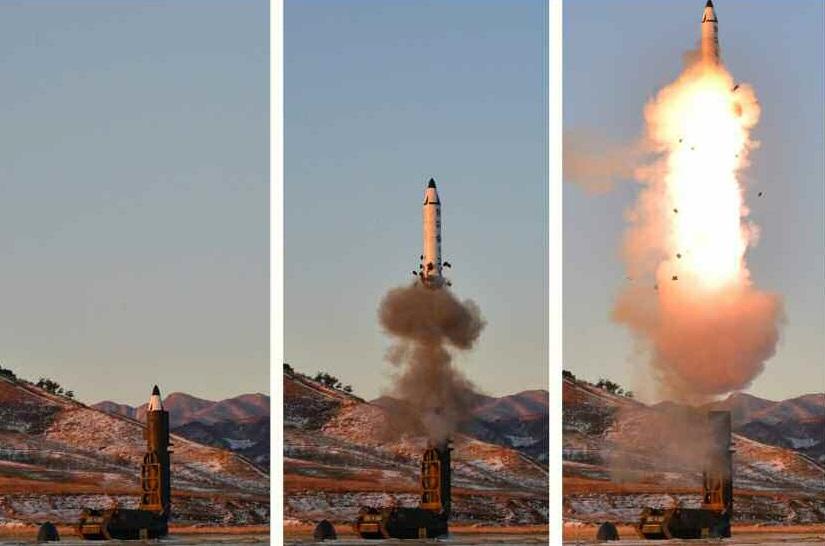 Nordkorea testet atomar einsetzbare ballistische Mittelstreckenrakete - Bilder, Videos