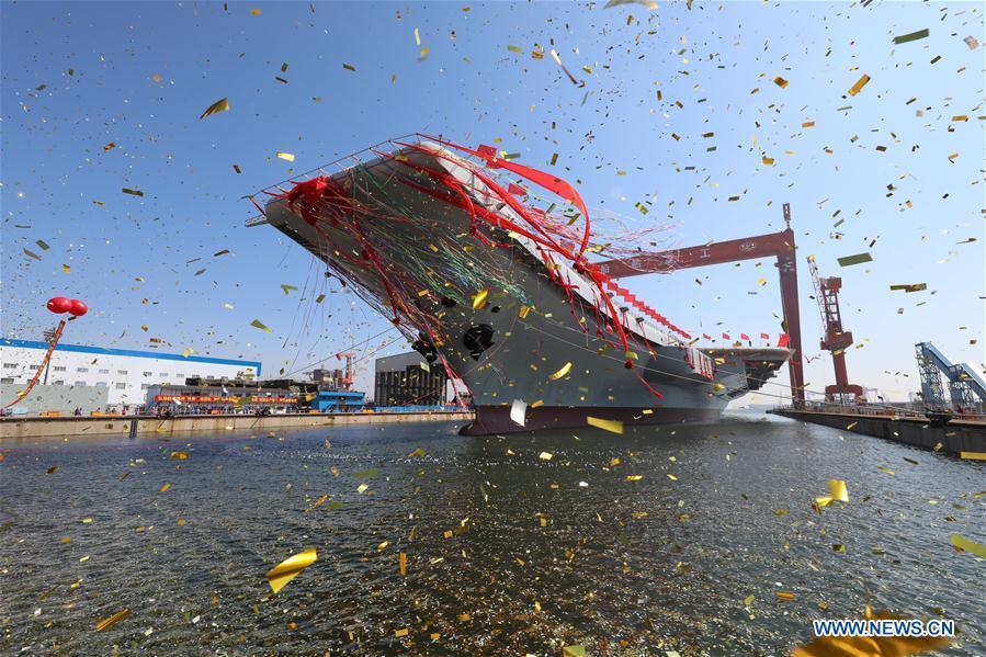 Chinas erster selbst gebauter Flugzeugträger lief vom Stapel